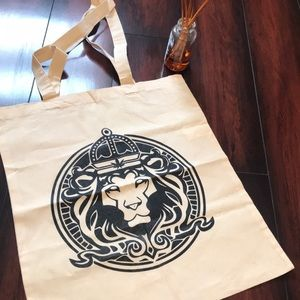 Handbags - ✨ Lion Tote ✨
